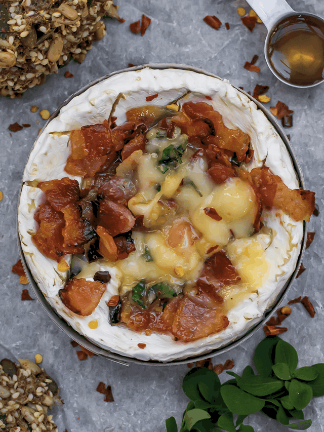 Baked Camembert with Honey & Bacon